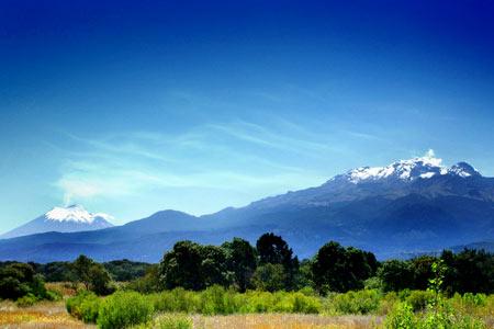 20110119_42_volcan-iztaccihuatl-popocatepetl